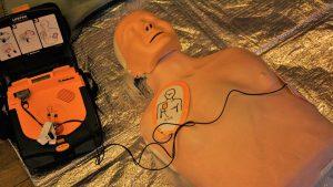 Herz-Lungen-Wiederbelebung und AED