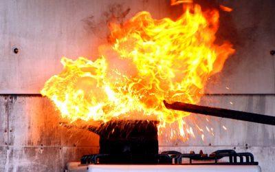 Fettbrände richtig löschen und vermeiden