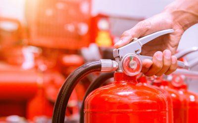 Löschmittel und tragbarer Feuerlöscher